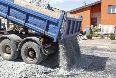 Цены на доставку камаза песка по Томску и Северску. Стоимость камаза песка в Томске.